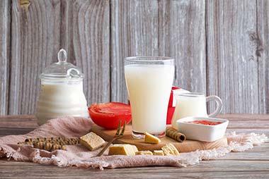 宝宝多大喝牛奶比较好?